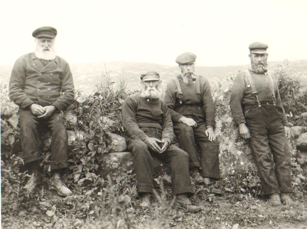 Hector Macneil, Mingulay, Angus Macneil (Beag) Vatersay John Mackinnon Mingulay, Michail Macneil Vatersay Augsust 1909 Low