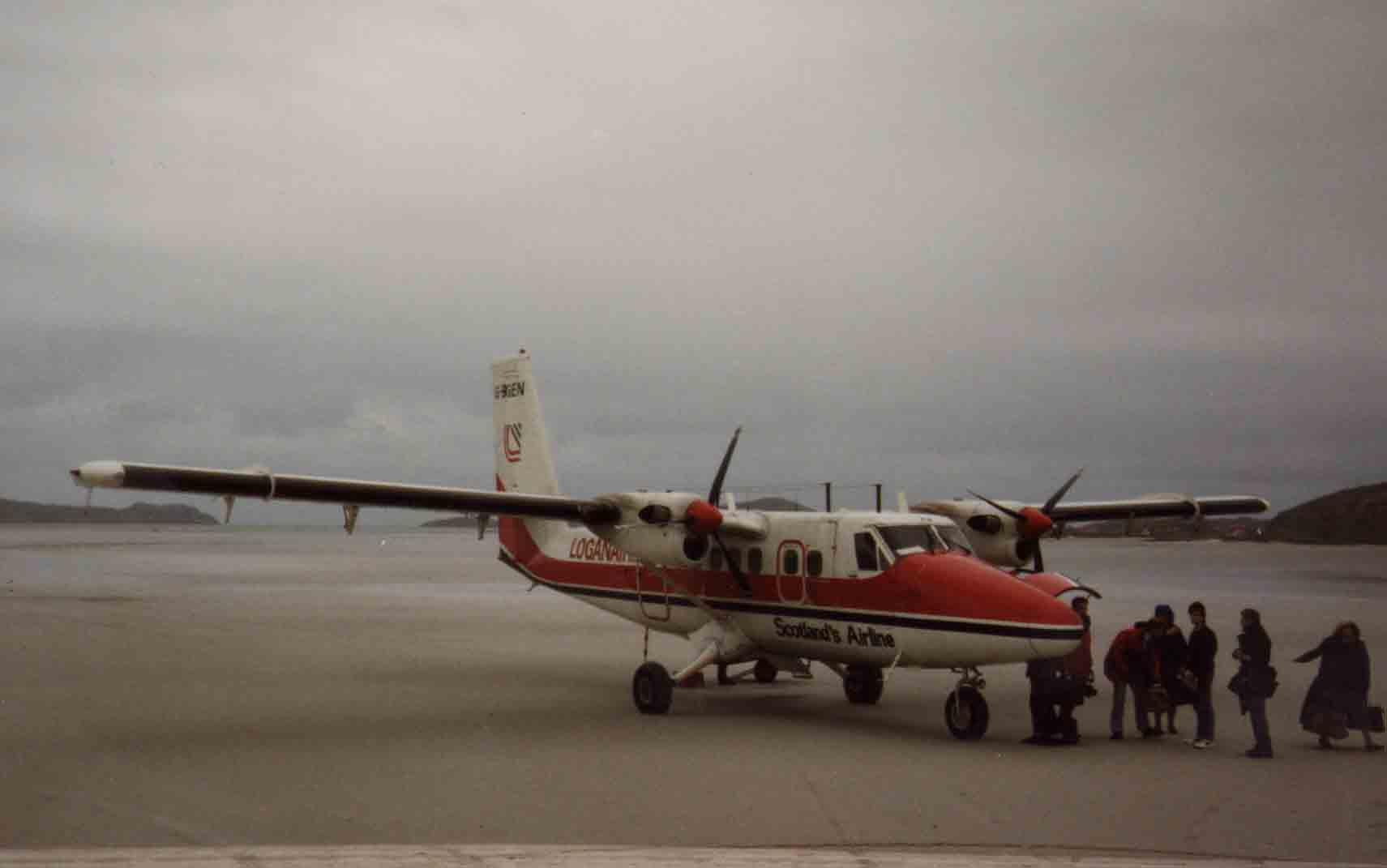 Loganair flight unloading on Traigh Mhor, Barra